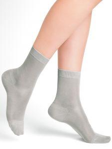 Damen Socken aus 100% Seide in silbergrau von Bleuforêt