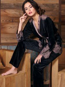 Nicki-Samt Hausanzug Idylle schwarz mit macchiato-brauner Spitze von Marjolaine