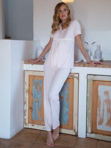 Modal Pyjama in zartem rosé von Chiara Fiorini