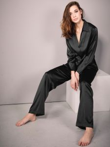 Schlafanzug aus Stretchseide schwarz Sloane Street exclusiv von Eva B. Bitzer
