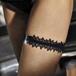 Strumpfband Memento aus schwarzer Spitze mit Swarovski Schmuckelement