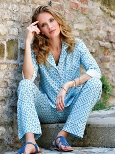Pyjama Türkis mit Druck aus Viscose Jersey von Chiara Fiorini