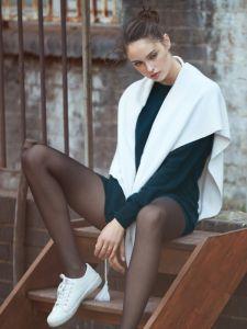 Wolle Kaschmir Stola Yuna wollweiß von Suggest by Pain de Sucre - der Pullover ist nicht im Lieferumfang enthalten