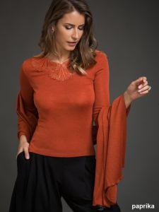 Merinowolle-Seide Schal-Tuch Stola in paprika von Artimaglia - das Shirt ist nicht im Lieferumfang enthalten