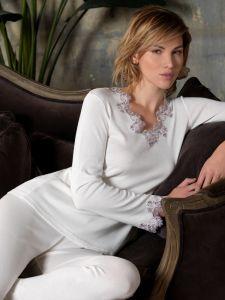 Modal Baumwolle Pyjama Sara creme- weiß mit Spitze von Imec