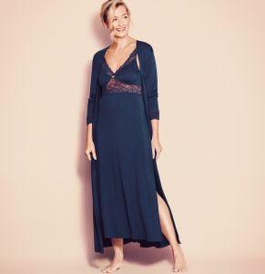 Viscose Feinjersey Morgenmantel Amourette dunkelblau von Triumph - das abgebildete Nachthemd ist nicht im Lieferumfang enthalten