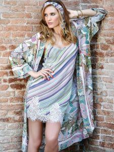 Viscose Morgenmantel grün lila von Chiara Fiorini - das Nachthemd ist nicht im Lieferumfang enthalten