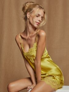 Seidenneglige Luana grünlich gelb von Vivis