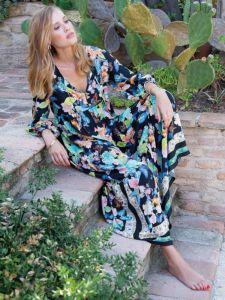 Maxi-Sommerkleid mit Schmetterlinge Muster schwarz von Chiara Fiorini